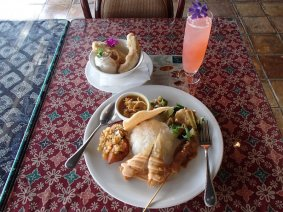 本格的なバリ料理が楽しめる!直営店の「海辺のサヤン」|沖縄 パラオ 伊豆・宇佐美 ダイビング|ダイビングツアーならパシフィック・エコツアー!